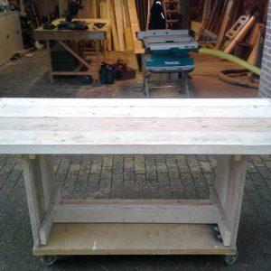 houten tafel Van Langen Timmerbedrijf